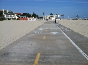 Long Beach's bike and pedestrian path