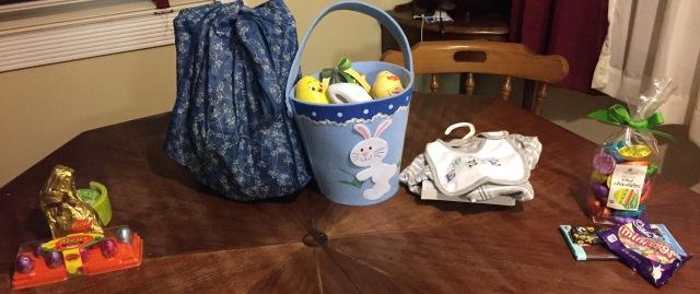 Easter basket table